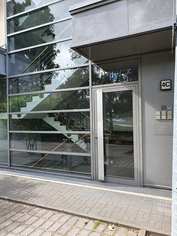 Fensterputzer Berlin - Reinigung von Fenster